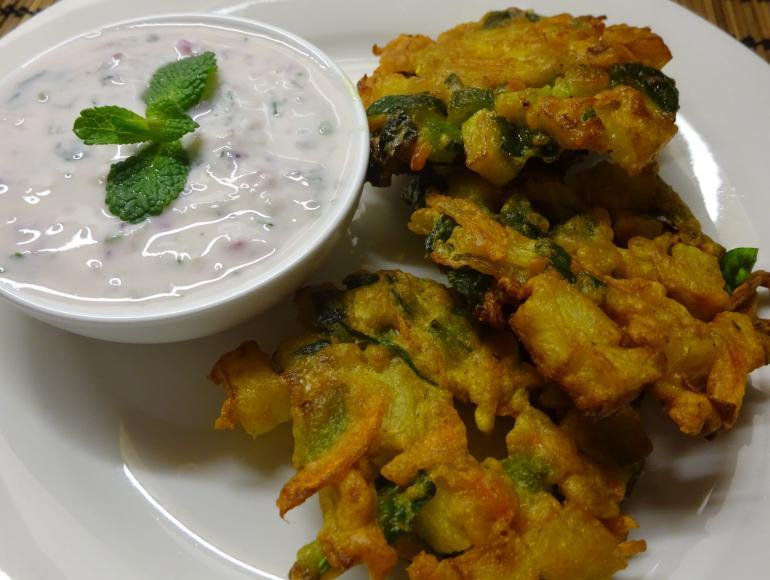 Vegetable Pakoda with Mint Yoghurt Dip