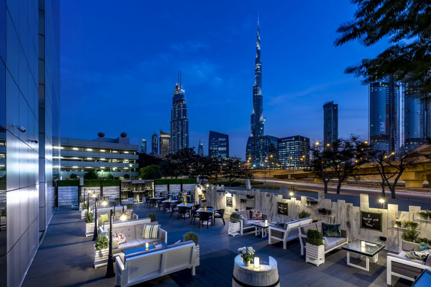 Love Under the Stars, Around the Royal Halls and in Another Bar at Dusit Thani Dubai