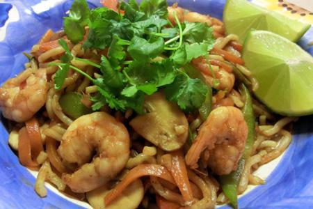 Stir fried prawns with noodles