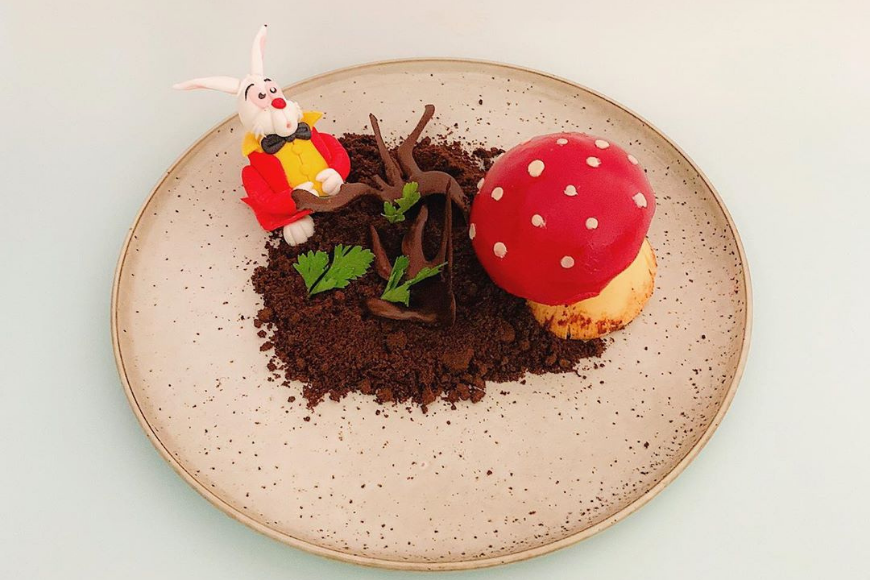 You Can Have An Alice In Wonderland Tea Party At This Dubai Cafe