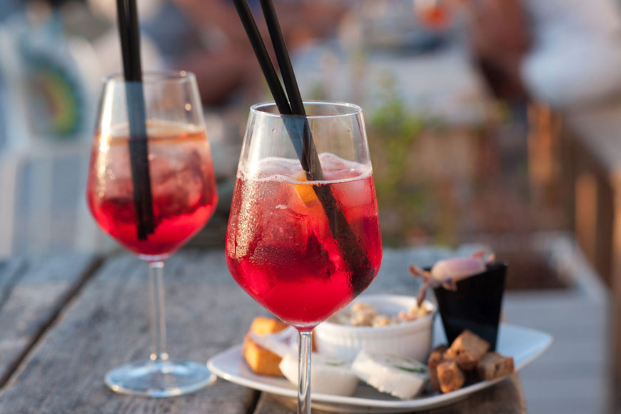 3 Non-Alcoholic Aperitifs to Perk Up Your Palate