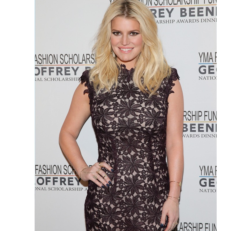 Jessica Simpson eating bugs