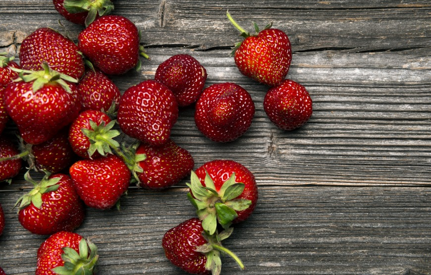 Strawberries hydrating foods