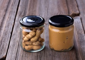 Homemade All-Natural Peanut Butter