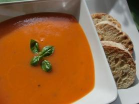 Fresh Tomato and Basil Soup