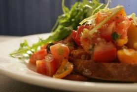 Bruschetta con Insalata di Pomodoro