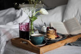 5 Breakfast in Bed Recipes that Spell Romance