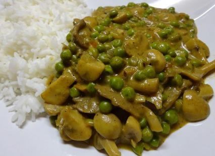 Pea and Mushroom Curry