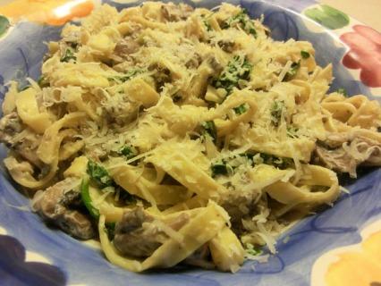 Creamy Mushroom and Spinach Tagliatelle