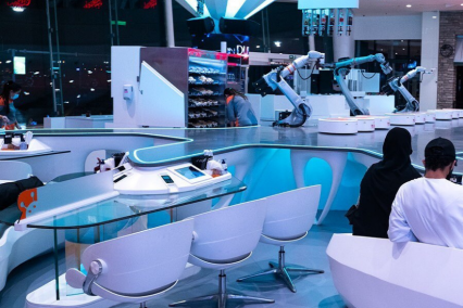 Dubai Cafe Opens With Robot Waiters and Staff